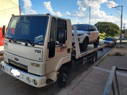 Ford Cargo 712 Guincho Plataforma