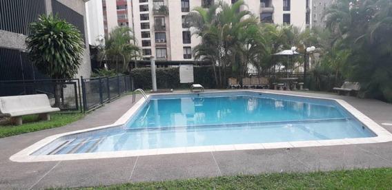 Apartamento En Venta Tzas. Del Club Hípico Gina B. 20-17913