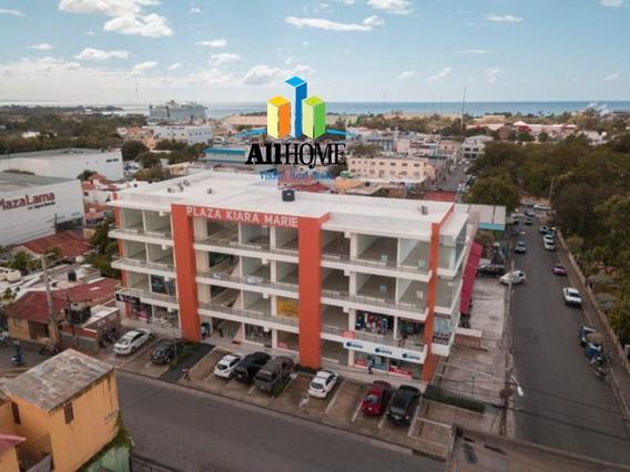 En La Romana Rd , Plaza Comercial, Cerca De Bancos,colegios