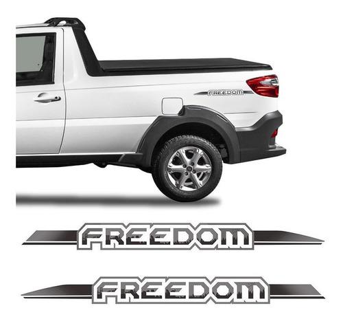 Imagem 1 de 6 de Adesivos Emblema Fiat Strada Freedom Modelo Original - Par