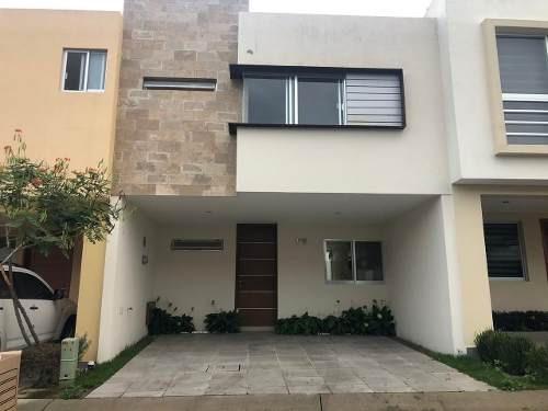Hermosa Casa Semi Nueva En Renta En Altavista