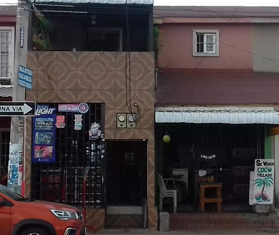 Casa En Mucho Lote 2, Calle Principal De Gran Plusvalía.