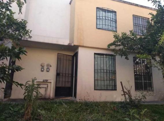 Casa En Fraccionamiento Los Laureles Xochitepec