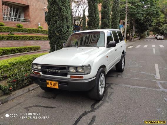 Toyota Burbuja Burbuja 4500cc