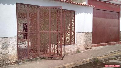 Comoda Casa Con Local Comercial En Venta Tinaquillo