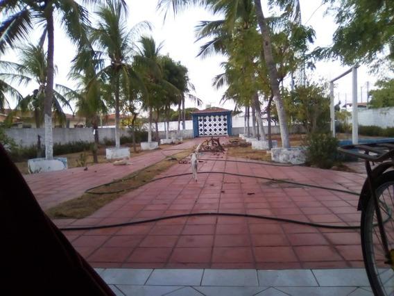 Ótima Casa Arborizada E Próximo A Praia