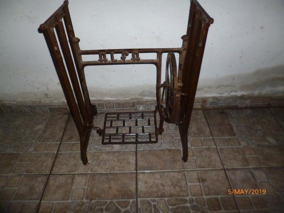Pie De Maquina De Coser Antiguo De Fundicion Marca Alfa