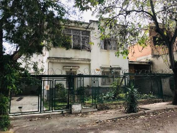 Casa En Venta,la Acacias,mls #20-11983