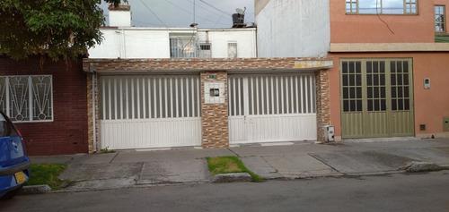 Vendo Amplia Casa Ubicada En El Barrio Las Américas