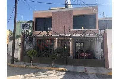 Casa En Venta En Lomas Residencial Pachuca, $2,700.000. Amplia E Iluminada