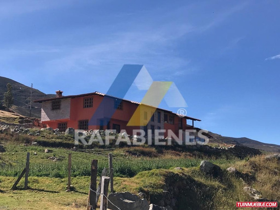 Casas En Venta, El Pedregal Mérida Venezuela
