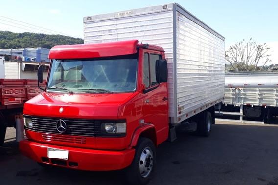 Mercedes Bens 710 Bau Ano 2012