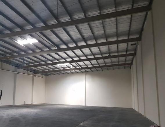 Galera En Parque Industrial De Costa Del Este (id 12180)