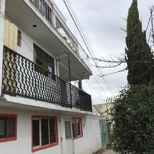 Edificio Con Tres Departamentos En Venta En Santa Ana Tlapaltitlan