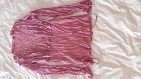 Camisola Rosa Con Detalles En El Cuello De Lentejuelitas,!!!