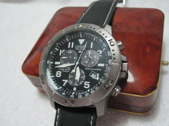 Citizen Aviator Titanium, Eco-drive, Crono, Caixa Com 43mm,