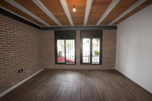 Venta De Apartamento Dúplex De 2 Dormitorios En Centro