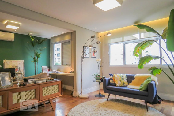 Apartamento No 4º Andar Mobiliado Com 2 Dormitórios - Id: 892984487 - 284487