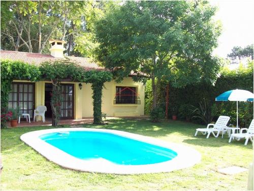 Casa En Mansa, 3 Dormitorios - Ref: 3570