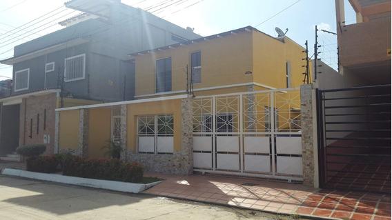 En Venta Casa Lista Para Habitar, De 3 Hab. Aa