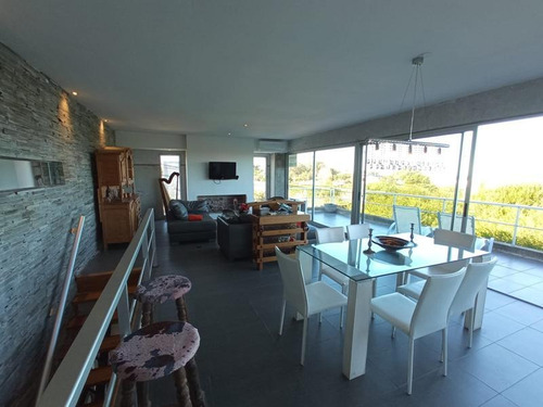 Casa En Punta Piedras Con Vista Al Mar