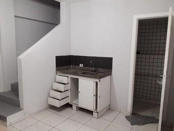 Casa Em Jardim Record, Taboão Da Serra/sp De 40m² 1 Quartos Para Locação R$ 550,00/mes - Ca482273