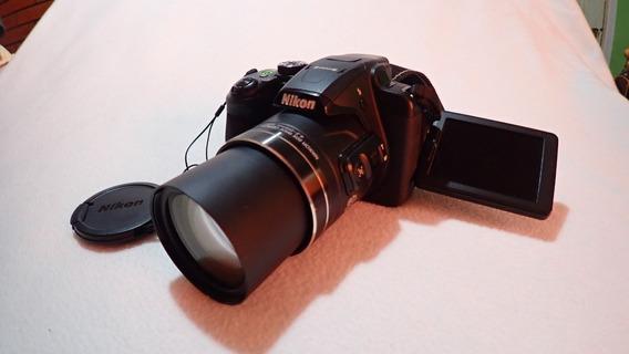 Camara Nikon B700