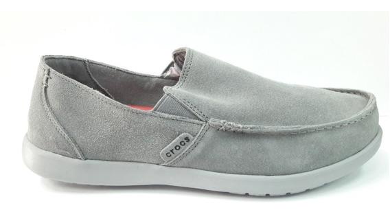 Crocs Santa Cruz Suede Light Grey - Charcoal Envios Pais