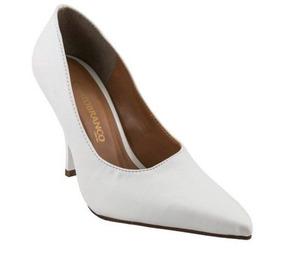3a5bb4d645 Sapato Scarpin Branco Fosco Bico Fino Salto Alto 9 Cm Noiva