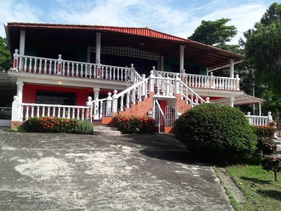 Quinta La Mata Sector La Casona, Charallave