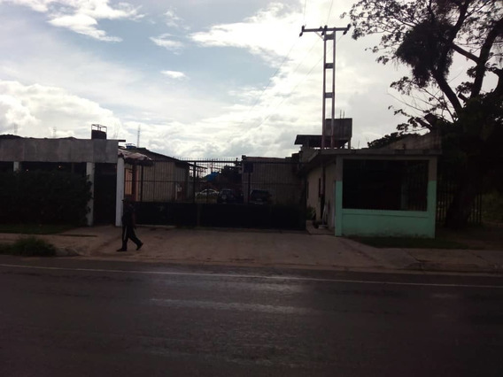 Se Alquila Galpones En La Av. Aragua 04243368365