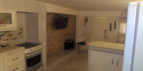 Casa En Venta 3 Habitaciones, 2 Baños