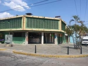 Local En Venta Centro De Valencia Carabobo 20-11101 Rahv