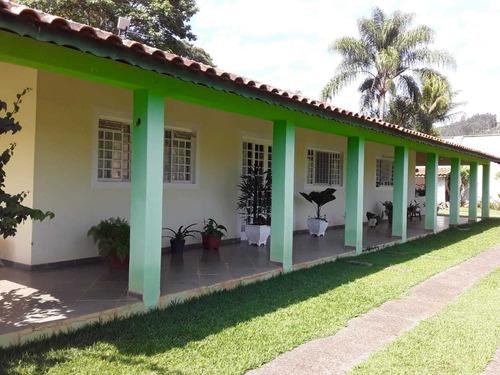 Linda Chácara Localizada No Interior De Sp