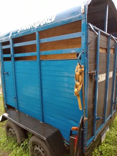 Imagem 1 de 6 de Trailer Para Transportar Cavalos