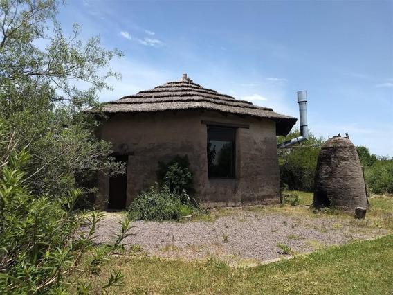 Chacra Con Casa De Adobe
