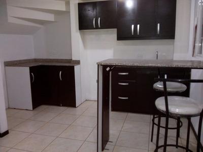 Se Arrienda Casa, Dos Dormitorios, Terraza, Sector Calderon