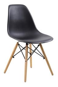 Cadeira Charles Eames Preta Com Pés De Madeira 82x47cm