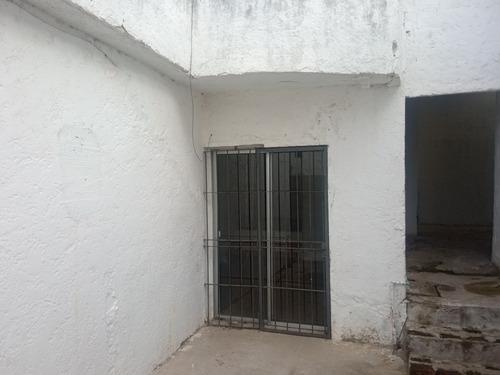 Casa De Dos Dormitorios Posible Tres Planchada Muy Seguro
