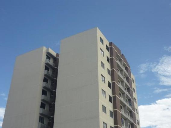 Apartamentos En Venta Oeste Barquisimeto 20-5240 Rg