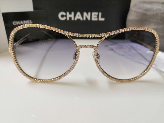 Óculos De Sol Chanel 71108 Metal Dourado Com Pedras E Lentes Pretas Degradê