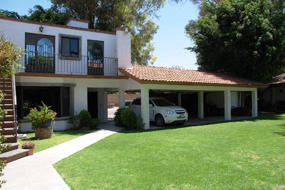 Preciosa Casa Colonial Con Excelente Ubicacion