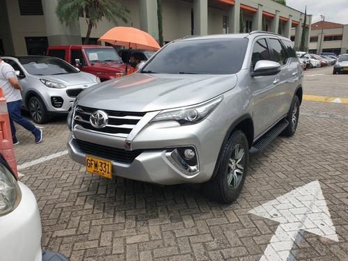 Toyota Fortuner 2019 2.7l Mid