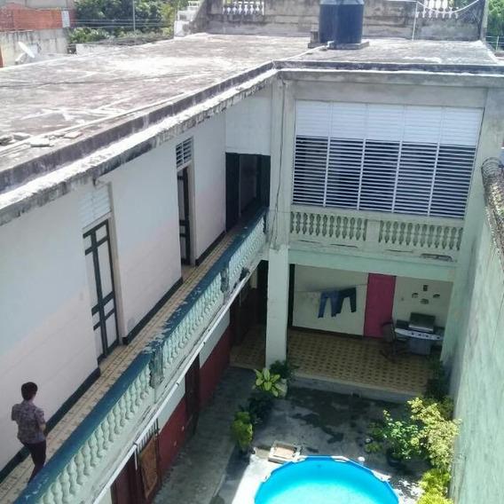 Edificio Colonial Con 12 Habitaciones En La Zona Colonial