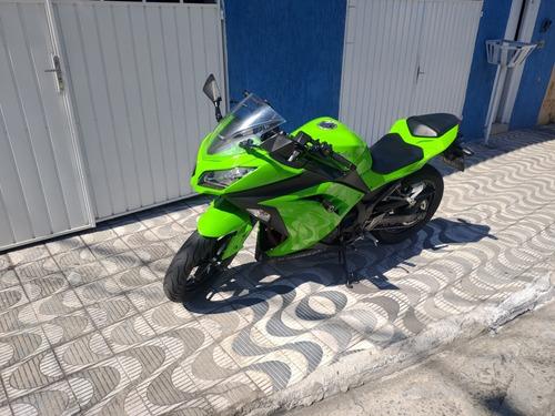 Imagem 1 de 8 de Kawasaki Ninja 300
