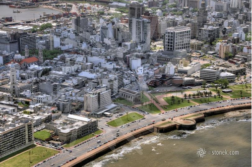 Local Esquina Sobre Peatonal Sarandi Proximo A Plaza Independencia