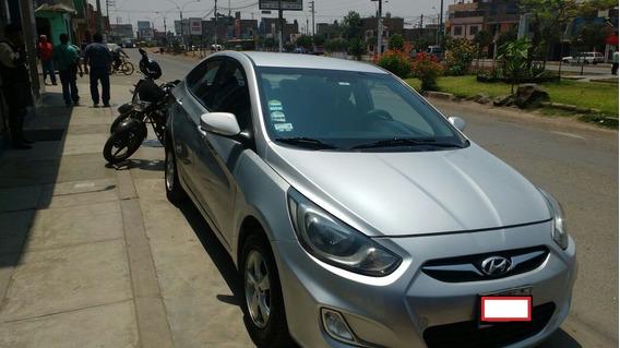 Vendo Hyundai Accent 2012 Full Equipo
