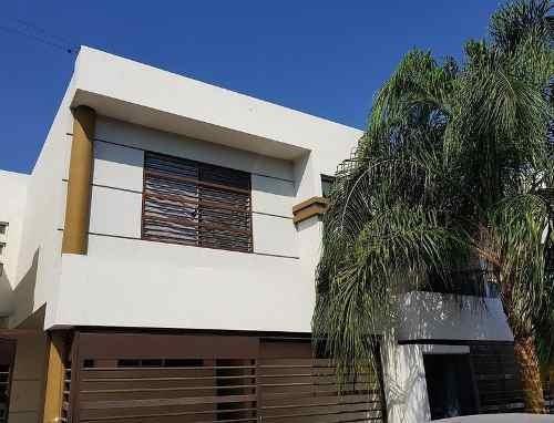 Casa En Renta En Portal Del Roble, San Nicolas