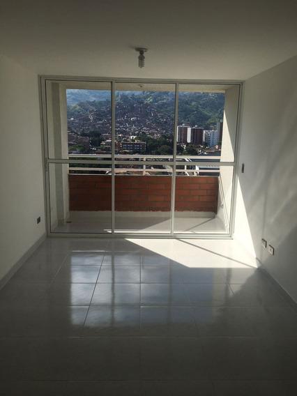 Cerca Próxima Universidad De La América,garaje,cuarto Útil !