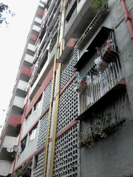 Lomas De Urdaneta Bonito Comodo Apartamento